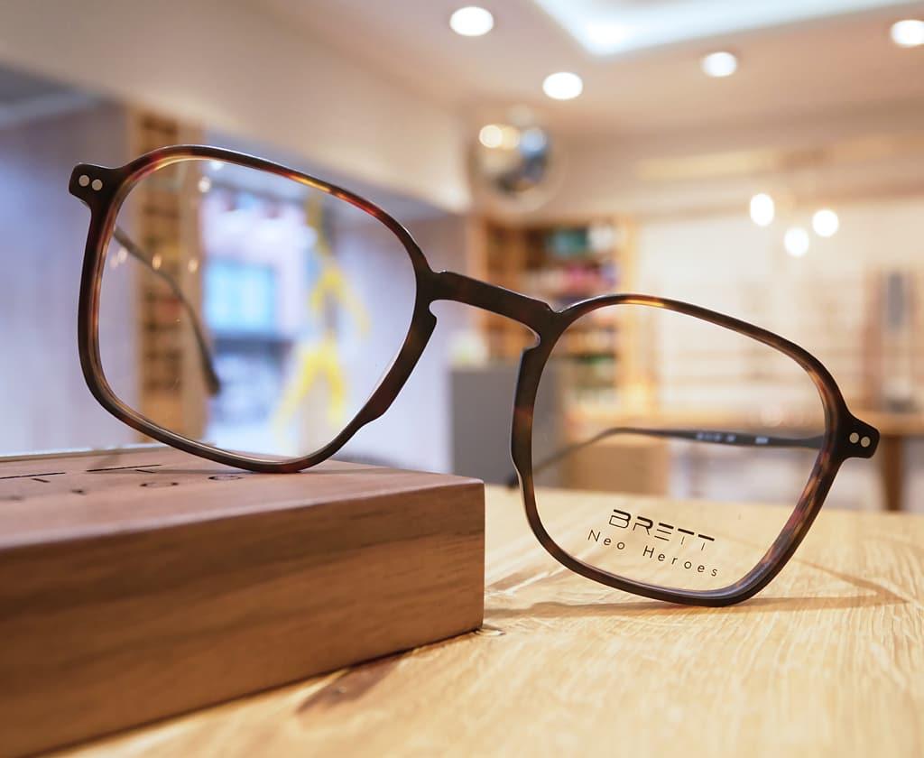 Brille von BRETT Eyewear